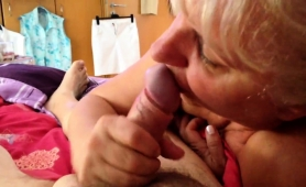 lustful-blonde-granny-showing-off-her-cocksucking-talents
