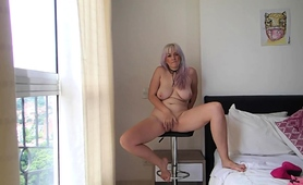 stacked-amateur-mom-gets-naked-and-takes-herself-to-climax