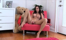 slender-brunette-camgirl-with-perfect-tits-makes-herself-cum