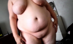 fat-amateur-couple-enjoying-intense-sex-action-on-the-bed