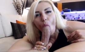 ravishing-blonde-camgirl-welcomes-a-big-shaft-in-her-ass