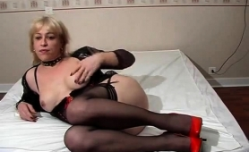 hot-blonde-shemale-in-lingerie-masturbates-on-the-webcam