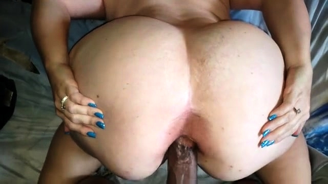 Big Booty Cum Porn - Big Booty Mature Brunette Welcomes A Black Cock In Her Pussy ...