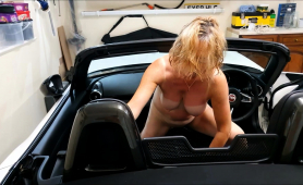 stacked-mature-wife-drives-herself-to-pleasure-in-the-car